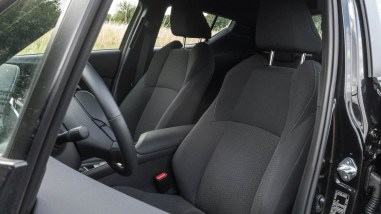 Toyota C-HR Hybrid 4x2 Innenraum