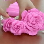 Come fare bellissime rose di carta crespa (Tutorial)