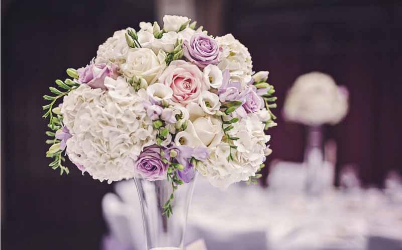 ELEGANT WEDDING FLOWERS AT HAMPTON MANOR