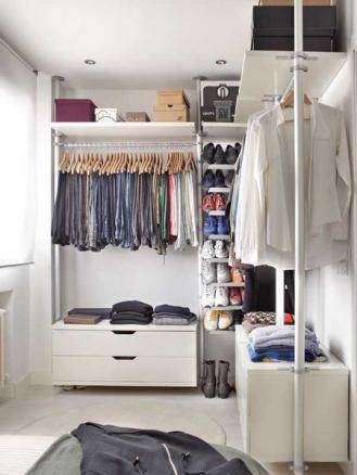 Wardrobe-in-One-Bedroom-Apartment-Design-Idea