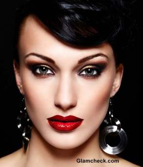 how-to-apply-Red-lipstick