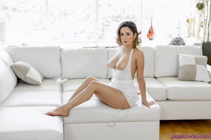Passion Hd Mia Scarlett in Body Language 1