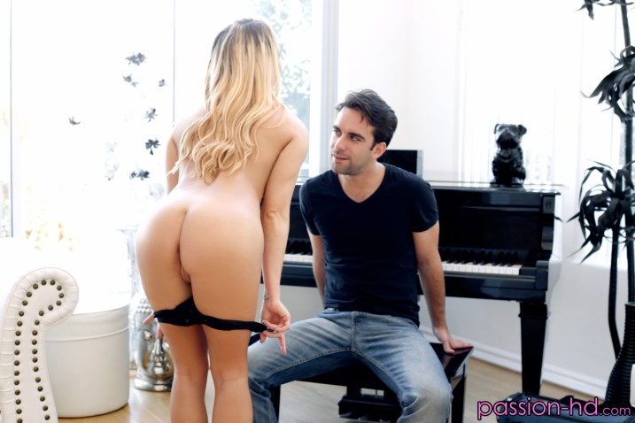 Carter Cruise in Beautiful Music 11