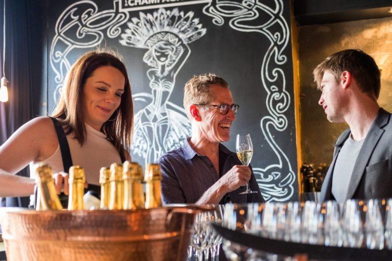 champagne, bar à sabrage, La Champagnerie, bulles, mousseux