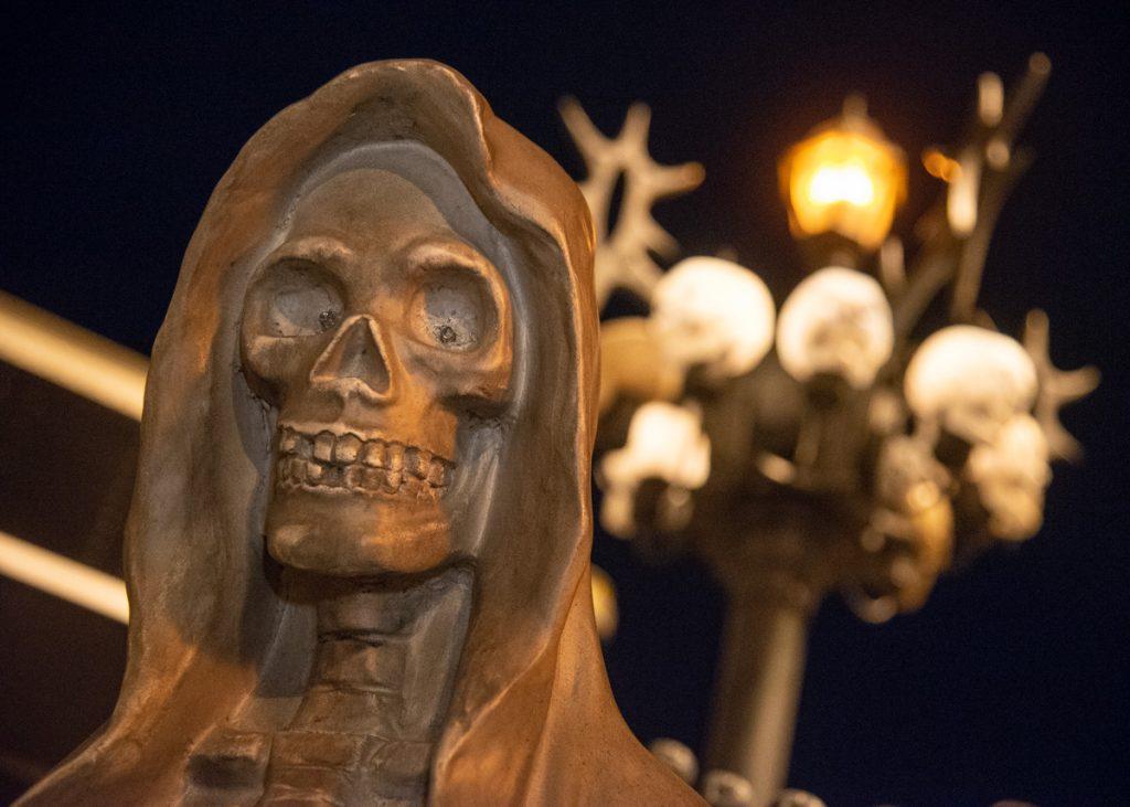 amateurs d'horreur se rencontrent squelette