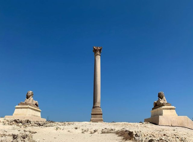 Pompey's Pillar and sphinxes in Alexandria