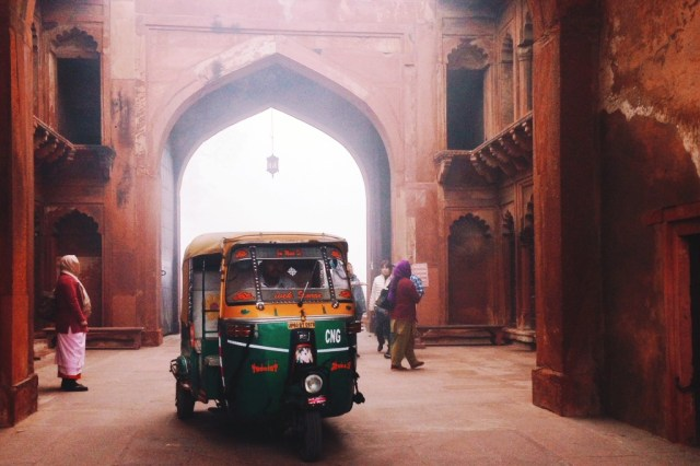 agra-fort-at-agra-auntiegold-travel-india