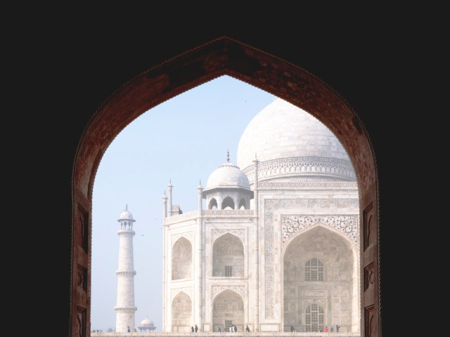 taj-mahal-at-agra-carmen-auntiegold-travel-india