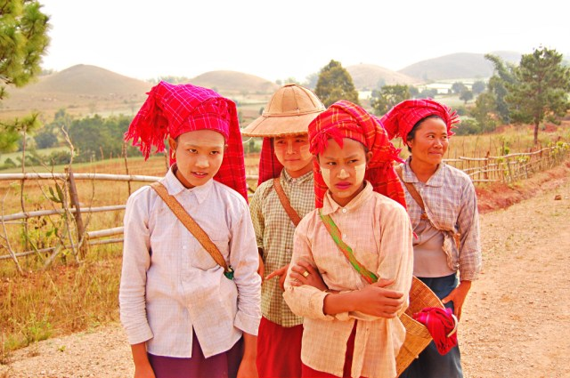 Farmers with thanaka on their faces, Kalaw to Inle Lake Trek