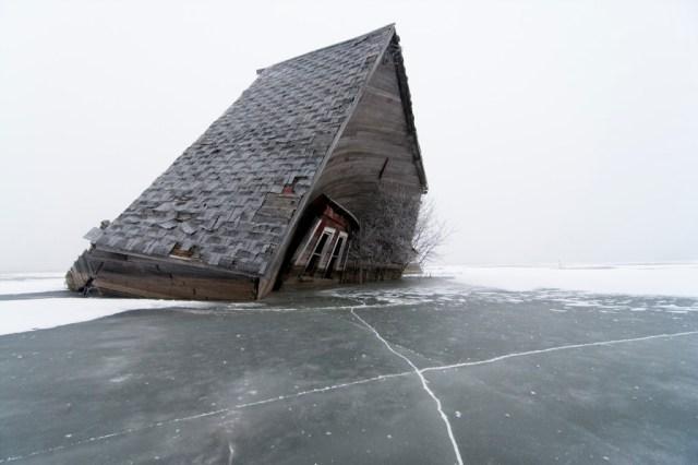 13-Paul-Johnson-Passion-Passport-Photo-Essay-Devils-Lake-North-Dakota-Collapse