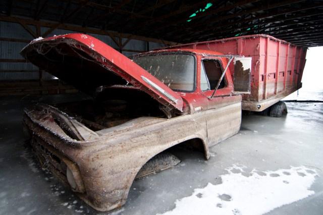 18-Paul-Johnson-Passion-Passport-Photo-Essay-Devils-Lake-North-Dakota-Truck