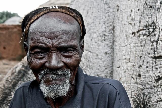 mazelle-etessami-travel-portraiture