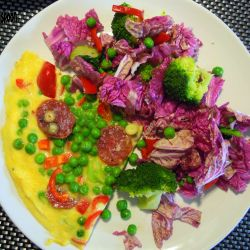 Frittata with red Chinese cabbage salad