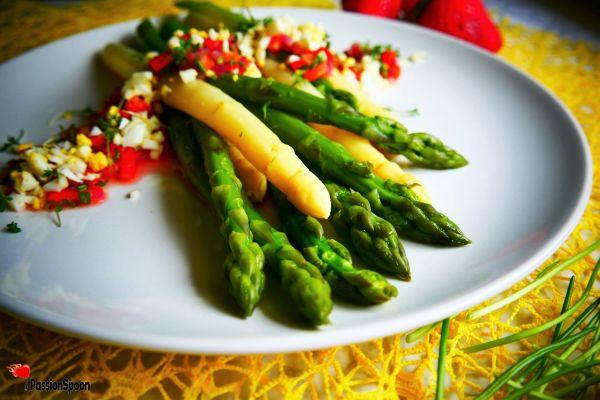 Herb vinaigrette asparagus salad