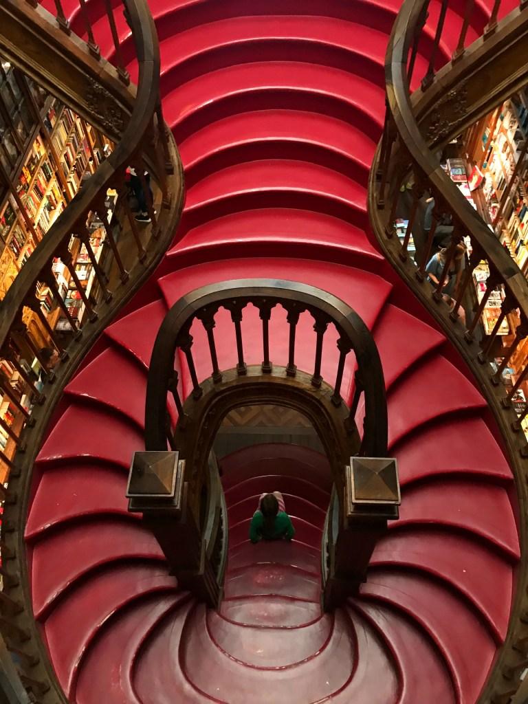 Lelo Bookstore