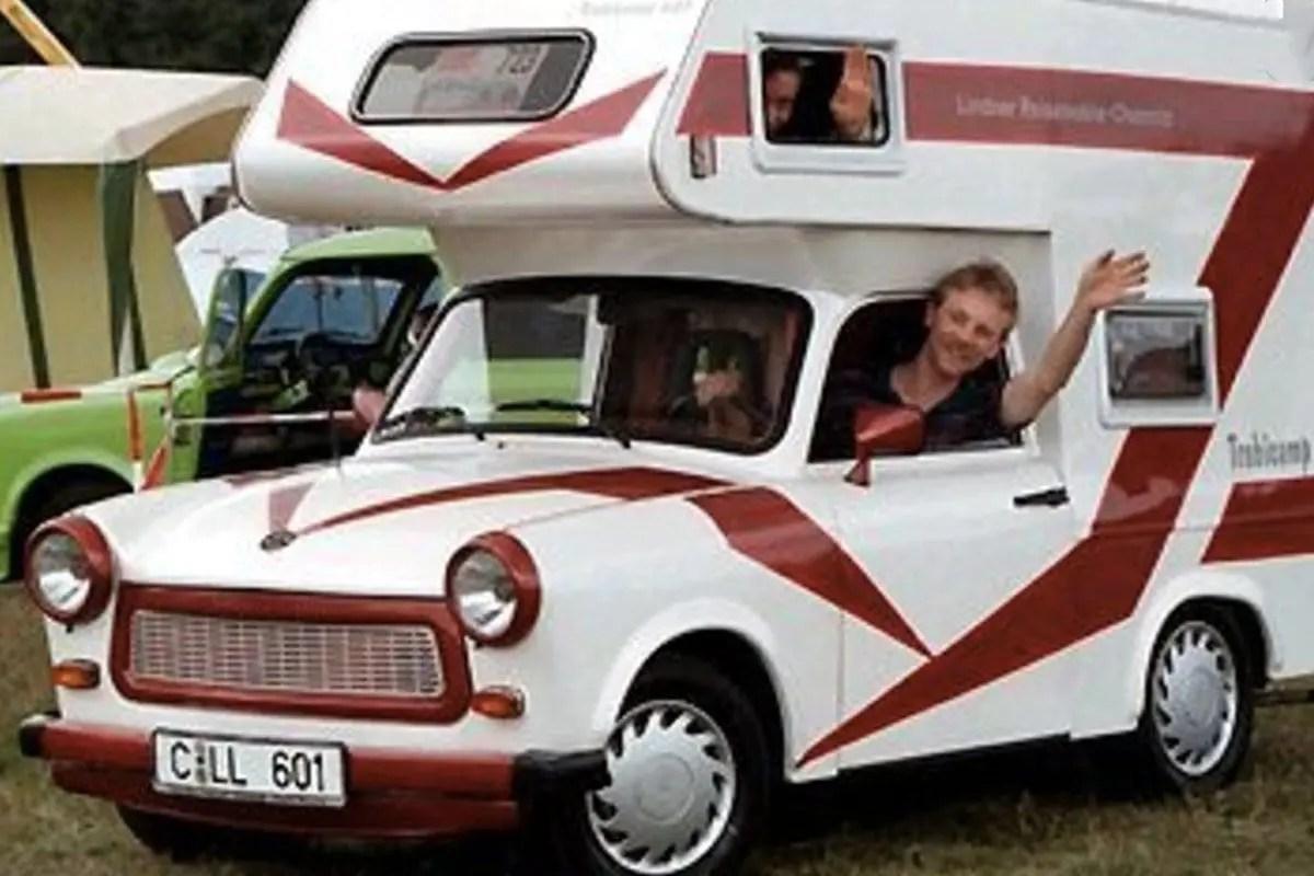 verrueckte-campingbusse-wohnmobile-komische-camper-ungewoehnliche-selbstausbauten-diy-camperausbau-wohnwagen-ausbau-vanlife-conversion-14