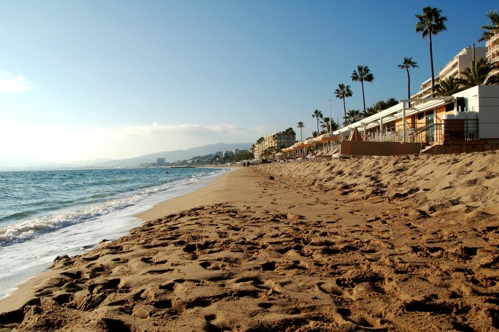 15 Beautiful Photos of Cannes, France - Beach in Cannes