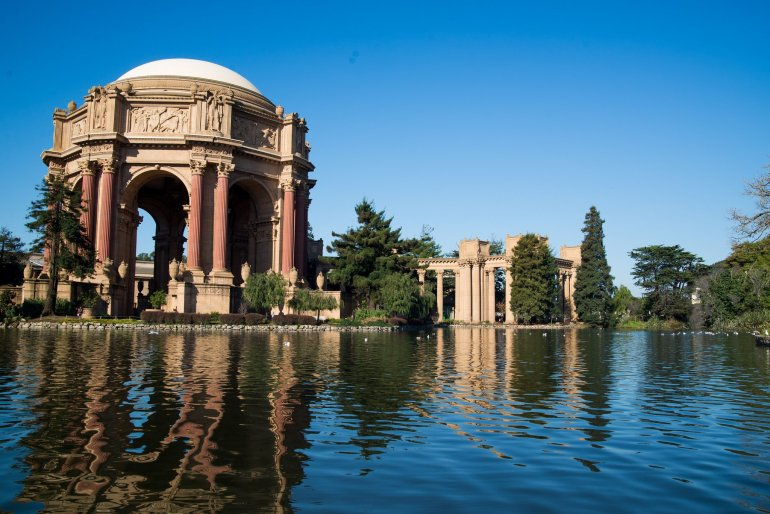 17 Easy Ways to Save Money on Travel - Palace of Fine Arts, San Francisco, California, USA