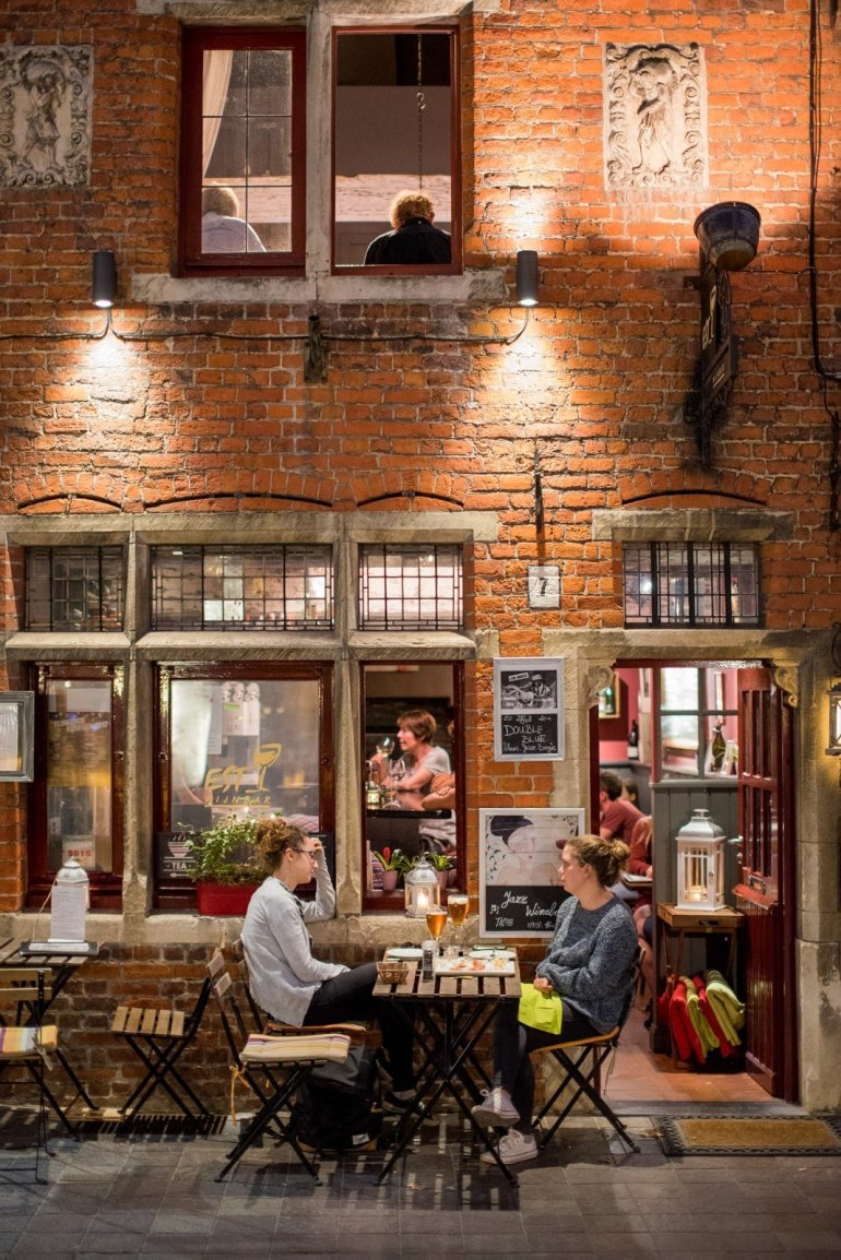 Wijnbar Est - The 6 Best Places to Eat and Drink in Bruges, Belgium