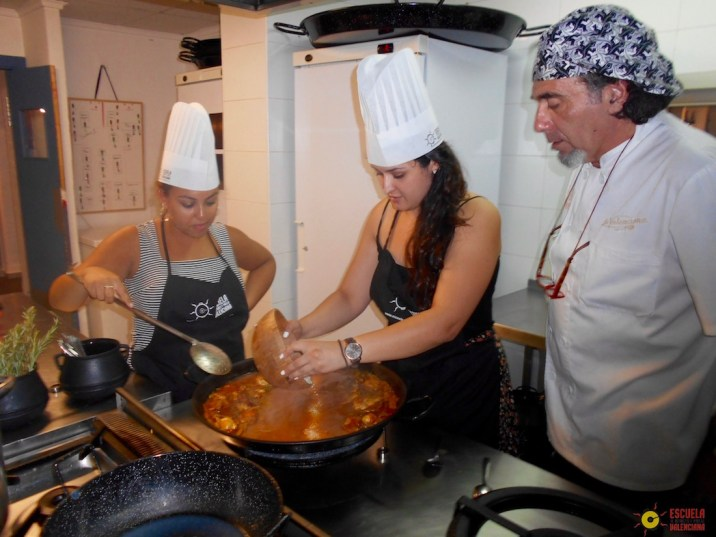If you're looking for a local cultural activity to do while in Spain, check out the Escuela de Arroces y Paella Cooking Class in Valencia, Spain!