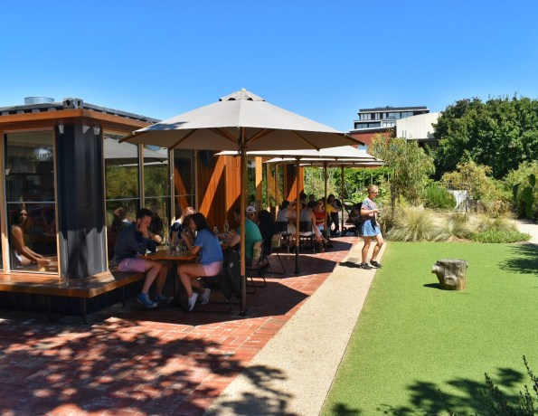 Rudimentary cafe, Melbourne