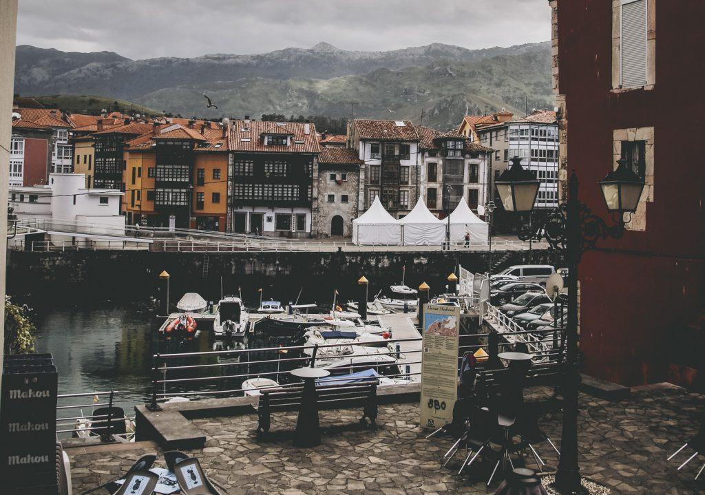 puerto de llanes costa de Asturias