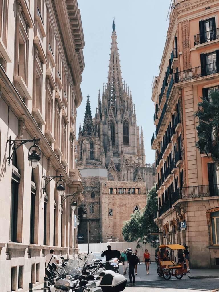 que ver en catedral de barcelona