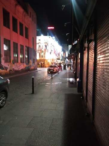 A street at night in temple bar photo courtesy of Hugo morel
