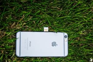 Exposing the sim card in the iPhone 6