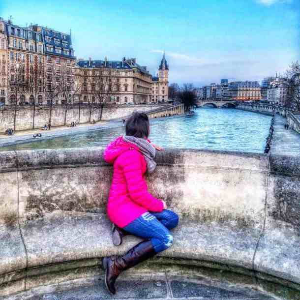 How To Travel To Paris On A Budget