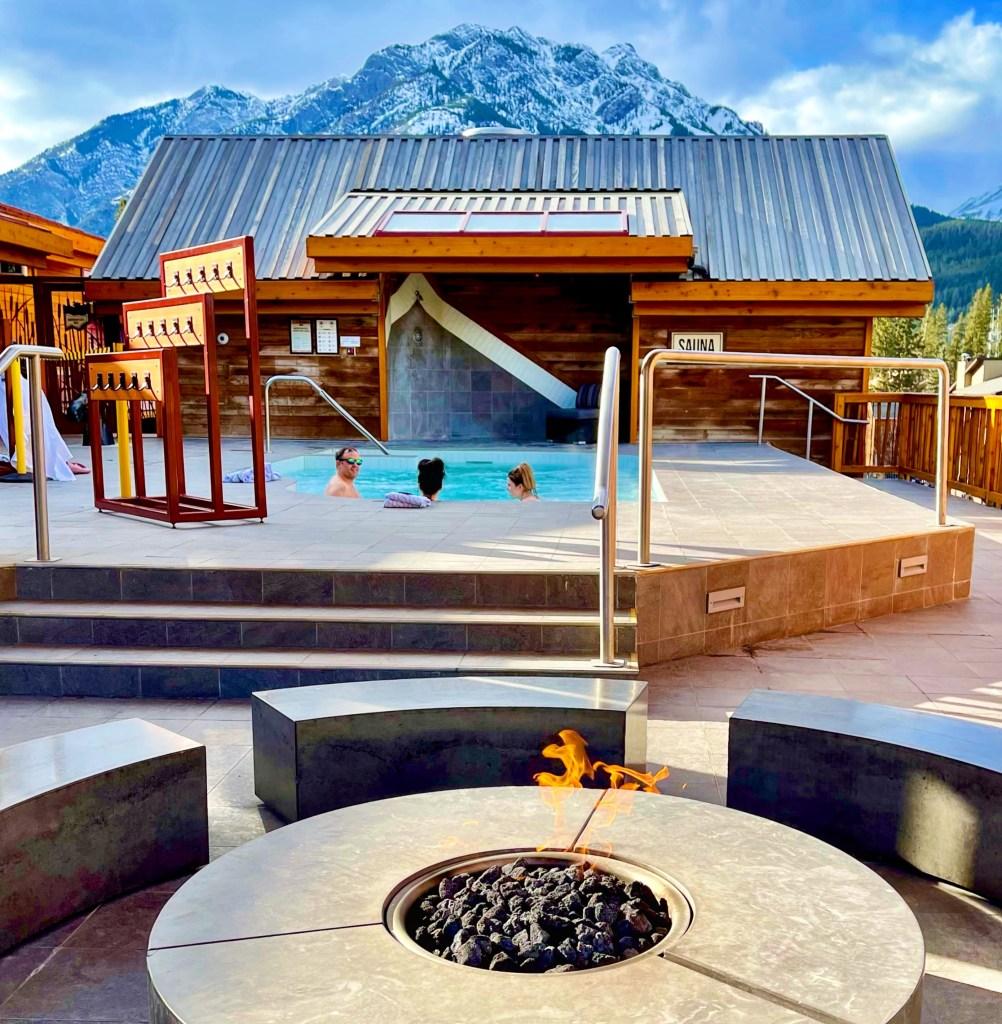 Rooftop Hot Pool, Moose Hotel & Suites Banff
