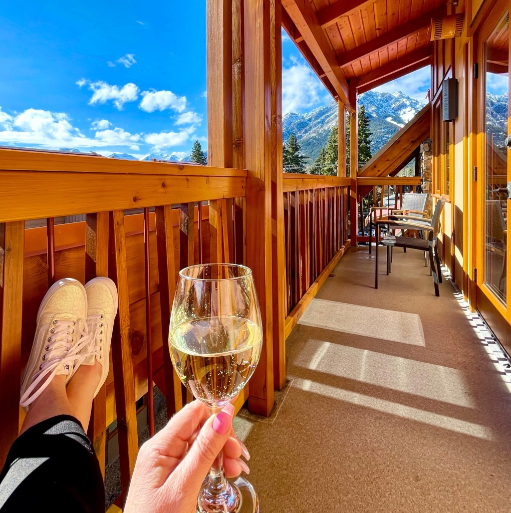 Rooftop Two Bedroom Balcony, Moose Hotel & Suites Banff