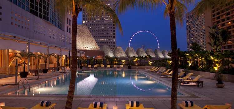 Conrad Centennial Singapore Pool