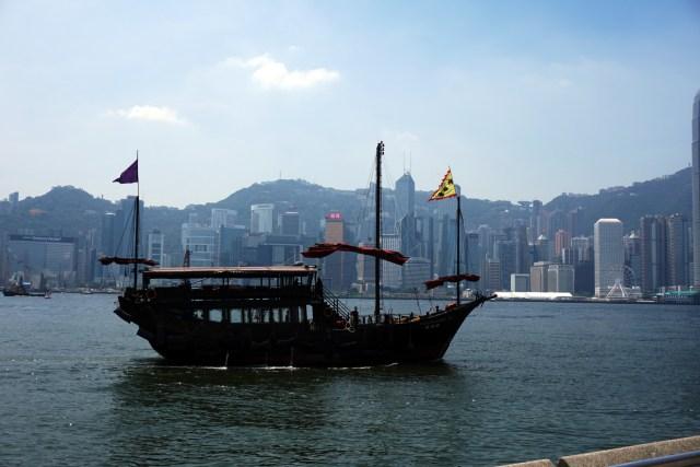 Aqualuna Chinese Red Sailed Junk Boat
