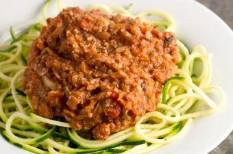 Vegetable Bolognese #vegan #zucchininoodles #zoodles | passtheplants.com