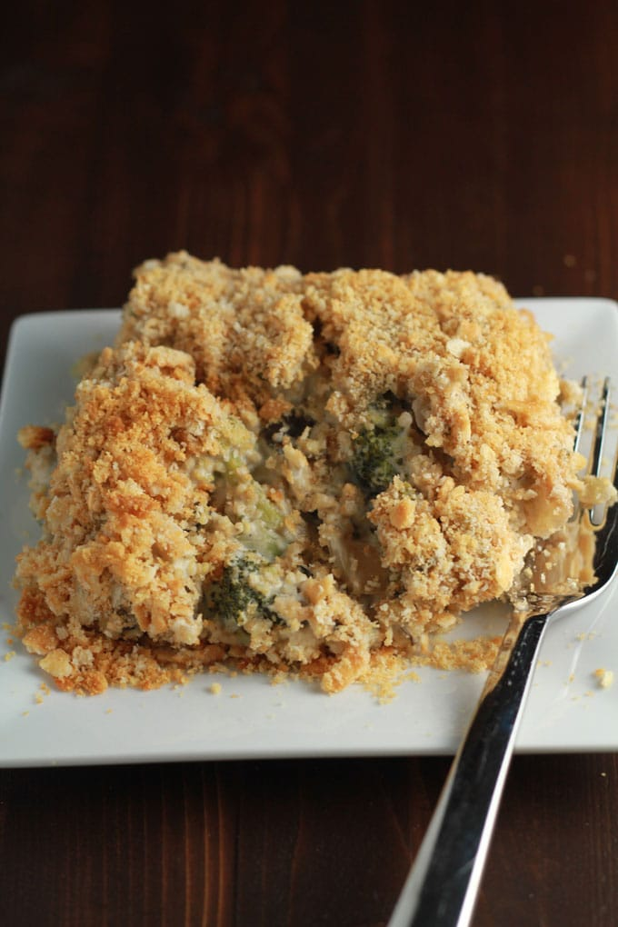 Vegan Broccoli Quinoa Casserole | https://passtheplants.com