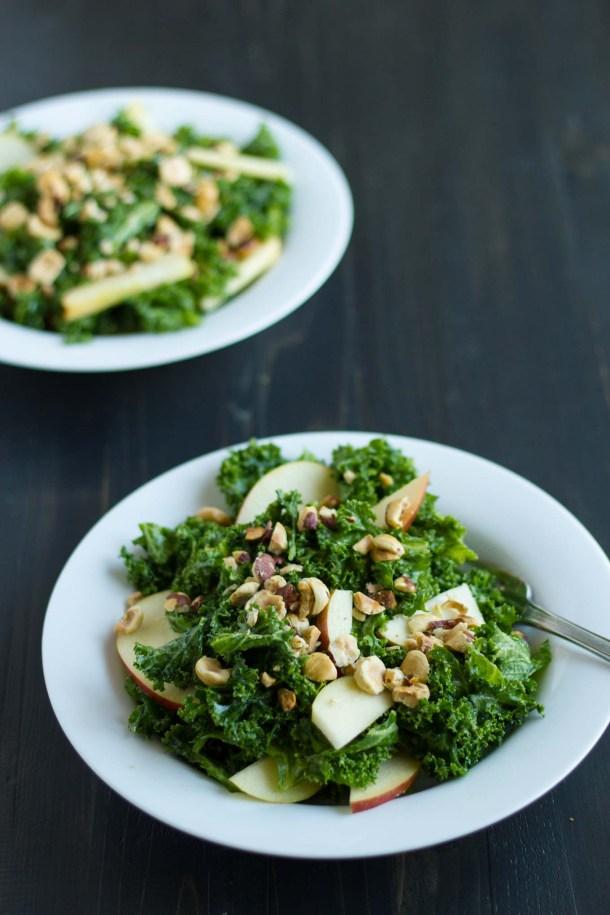 Simple Kale Salad | https://passtheplants.com
