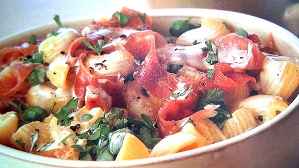 Pipe Rigate ai Piselli e Proscuitto – Pipe Rigate met doperwten en ham