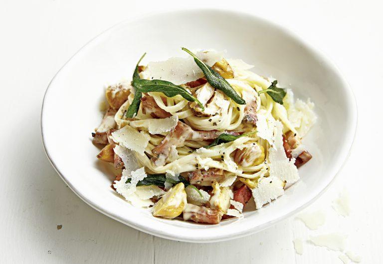 Linguine con pancetta castagne e salvia - Linguine met pancetta kastanjes en salie