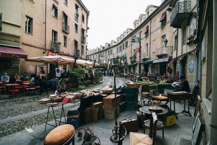 Mercato delle pulci del Balon a Torino