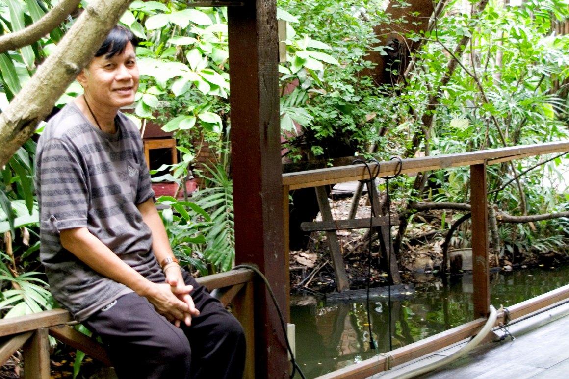 Kamsing il custode di Turtle House a Bangkok