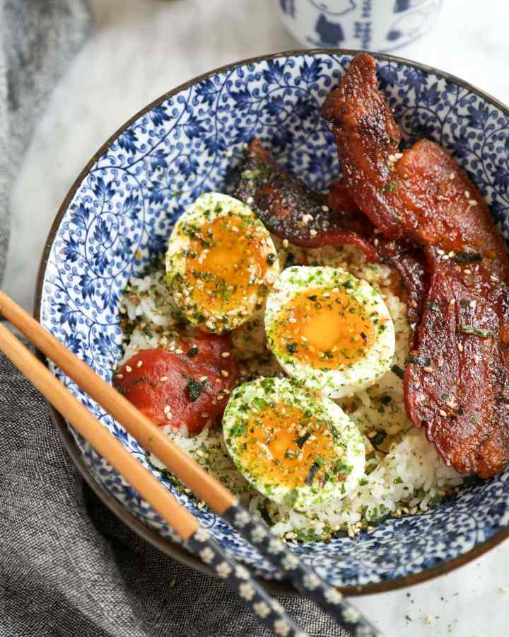 japanese breakfast egg and bacon bowl