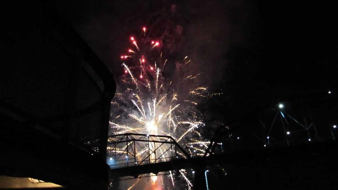 fireworks delta queen