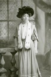 Miss Odd, 1907