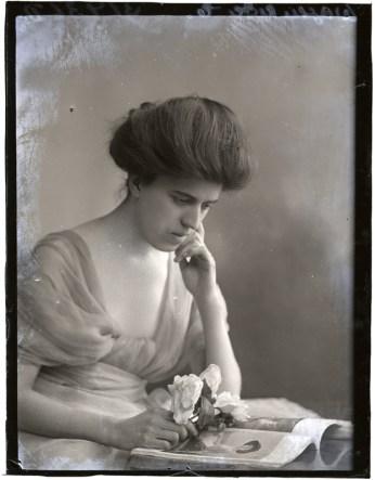 Miss D Wagenrieder, 10 Dec 1911