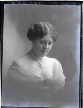 Miss C Dixon, 4 Sept 1913
