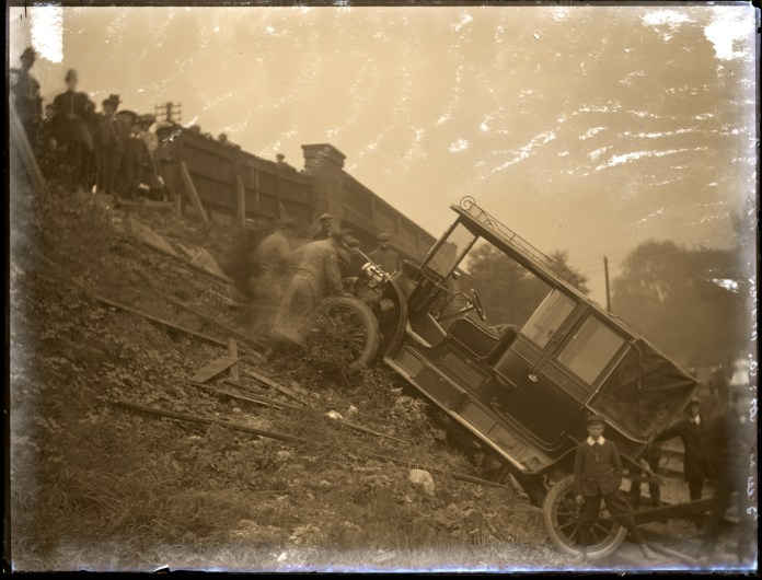 Belmont Motor Accident, Photographed by Knights-Whittome, Oct 1911