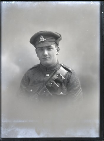 Corporal Leonard Arthur Davis, Photographed in around Mar 1916 by Knights-Whittome