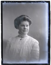 Miss Cheshire, 12 Nov 1910