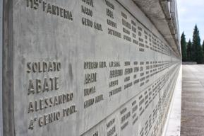 Redipuglia - 100.000 Namen - 100.000 Gefallene Soldaten - 100.000 Tragödien im Feld und in der Heimat
